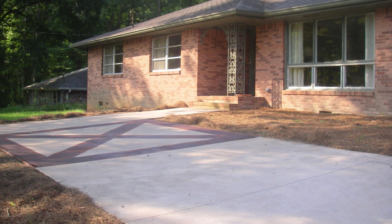 Stained pattern on driveway