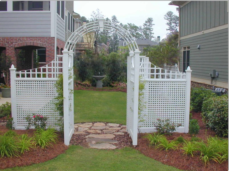Corner lot side yard arbor entrance