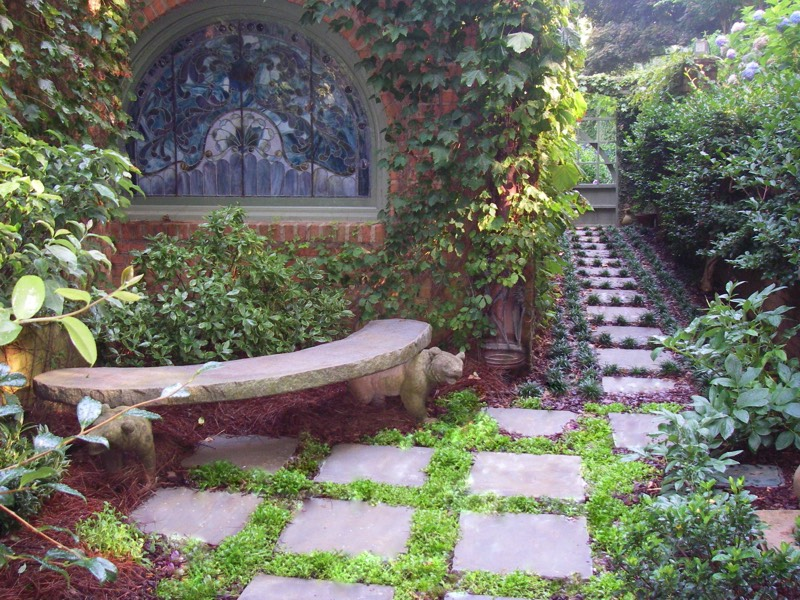Side alley Meditation garden